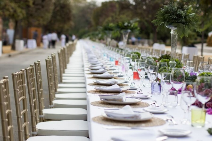 Mesa para cena de gala de 400 personas