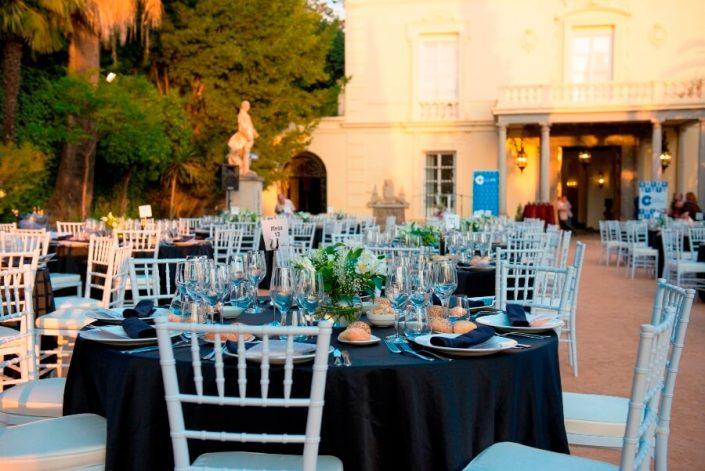 Banquete en exterior del Carmen de los Mártires