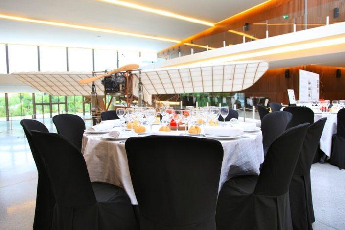 Banquete junto a exposición