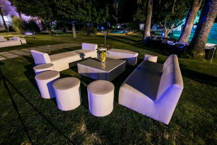 Montaje Chill Out en exterior de Jardines y exteriores Hacienda Atalaya