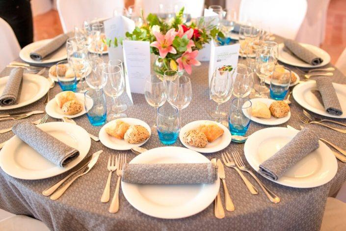 Montaje de mesas para eventos