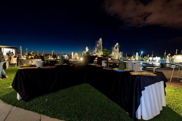 Cóctel para evento en la terraza La Nube