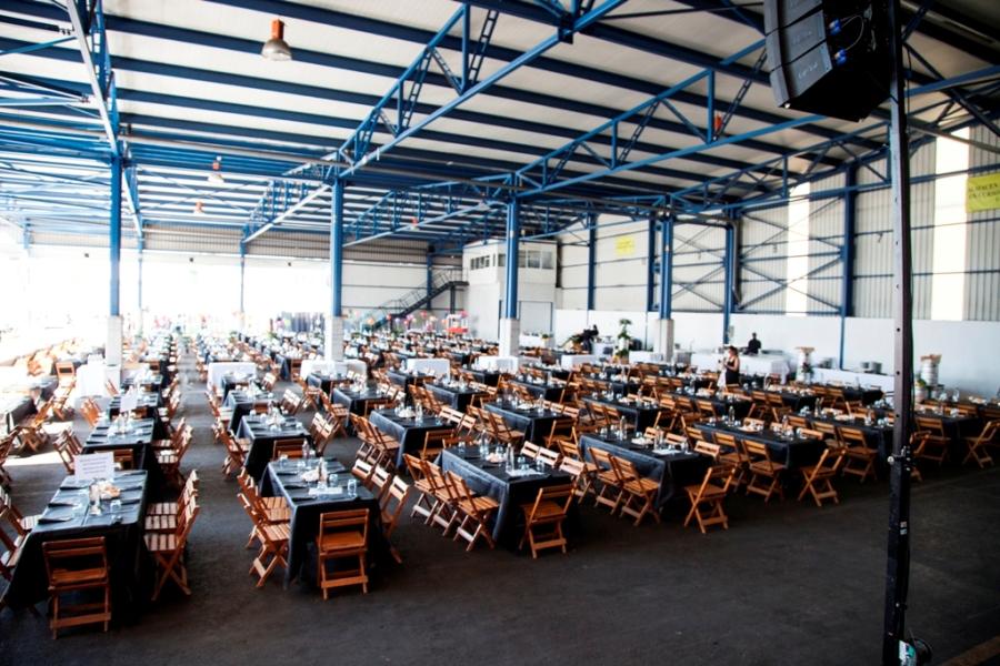 Montaje de mesas en fabrica Thielmann