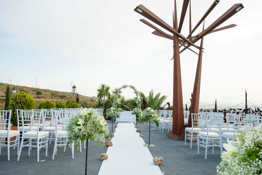 Altar preparado para boda civil