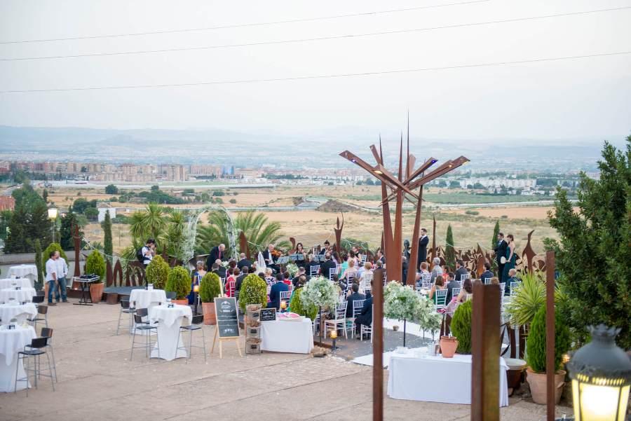 Boda Civil al aire libre en Granada