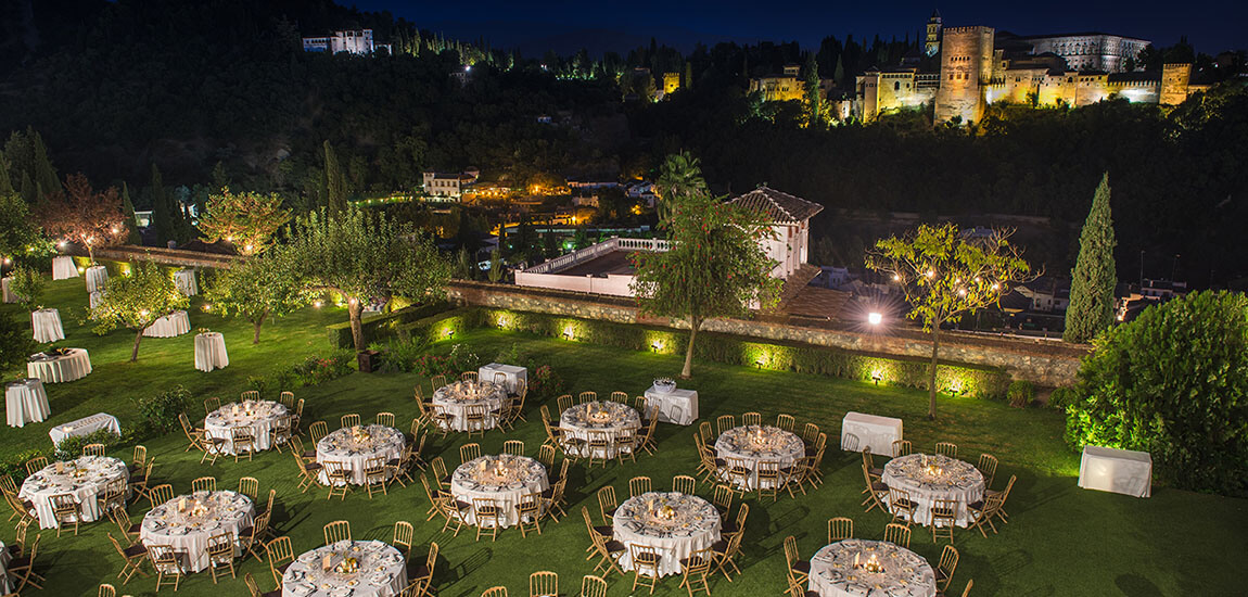 Banquete de boda frente a la Alhambra realizado por Abades Catering