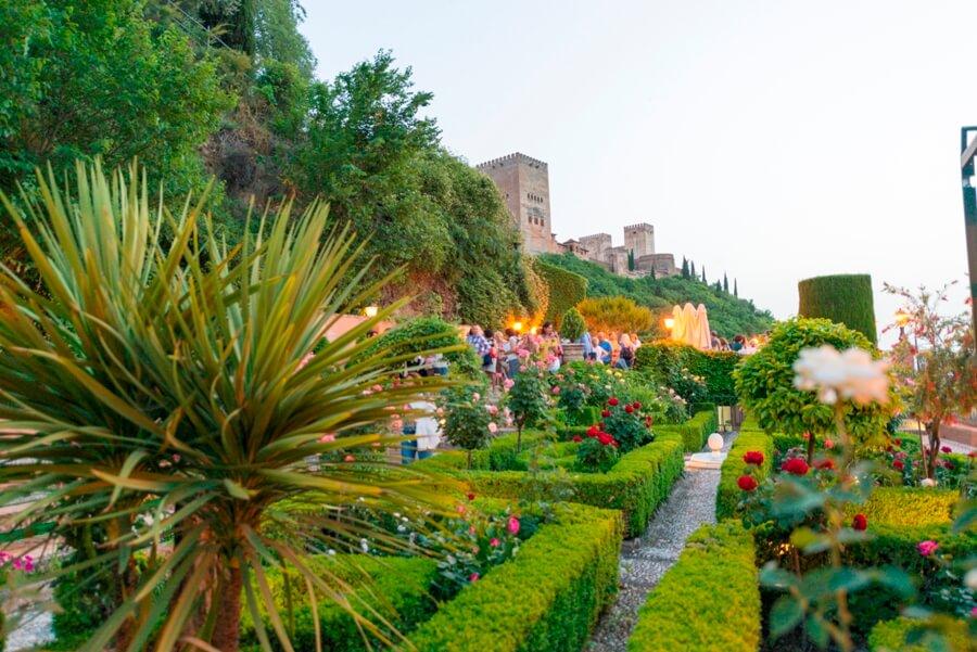 Celebración de cóctel en jardines de Chapiteles