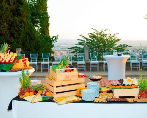 Buffet con aperitivos