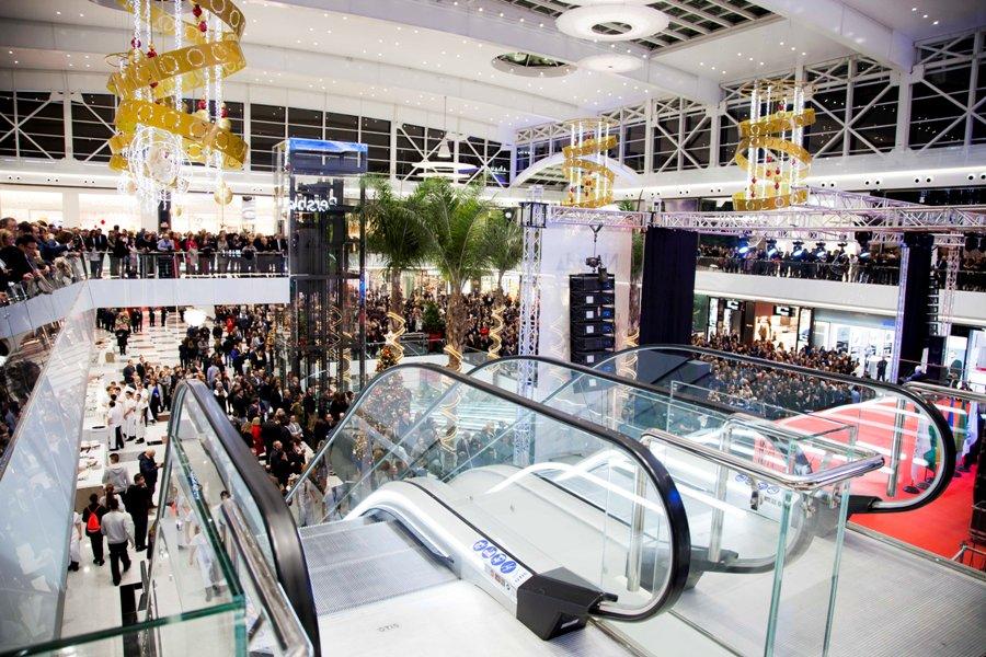 Instalaciones y asistentes al centro comercial